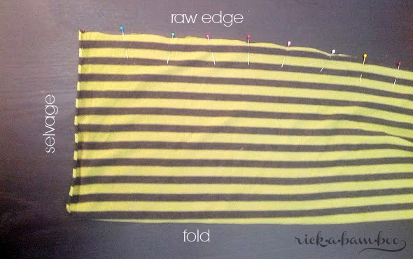 DIY Infinity Scarf Tutorial | rickabamboo.com | #DIY #scarf