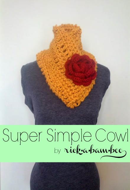 super simple cowl | rickabamboo.com | #crochet #cowl #scarf #flower