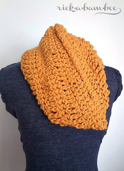 super simple cowl | rickabamboo.com | #cowl #crochet