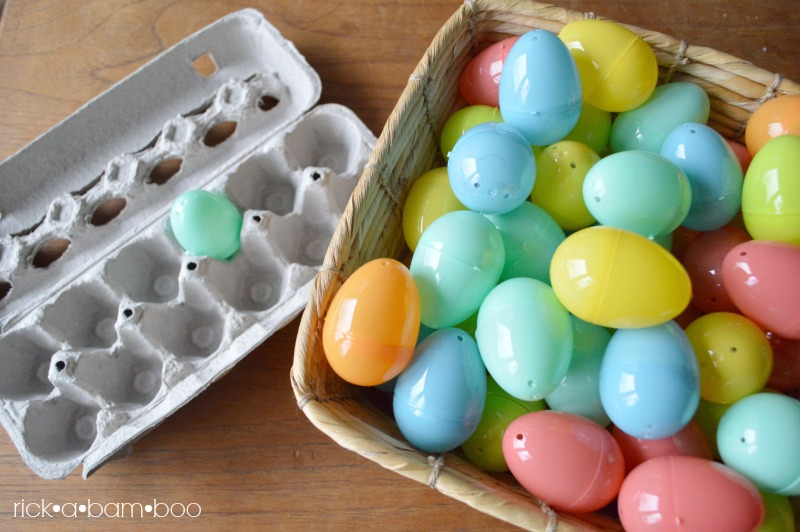 Easter Egg Sorting | rickabamboo.com | #totschool #preschool #spring