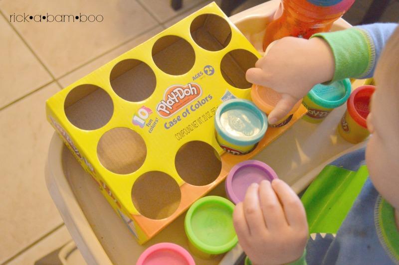 Tot Tray Playdoh | rickabamboo.com | #preschool