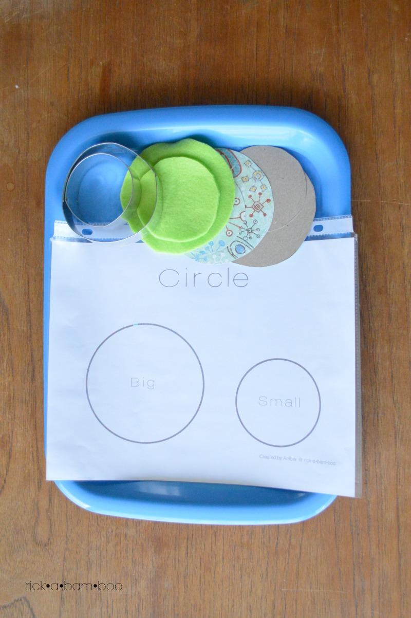 Tot Tray Circle Matchup | rickabamboo.com | #preschool