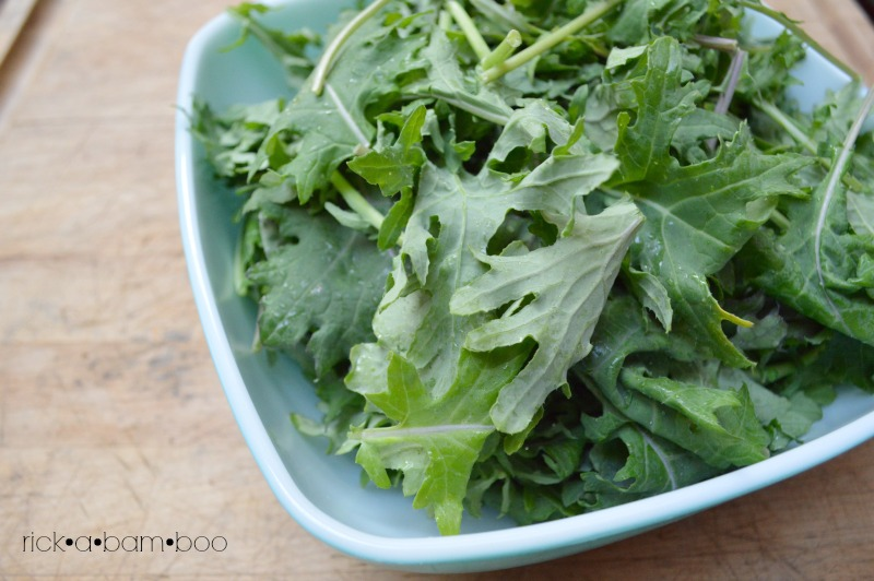Garlic Greens | rickabamboo.com | #cleaneating #kale
