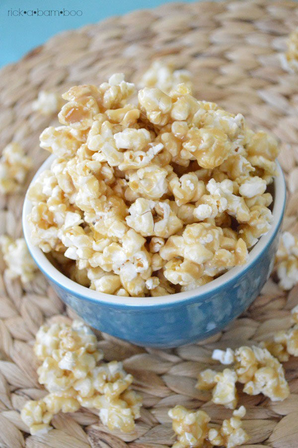 The Best Caramel Corn EVER | rickabamboo.com | #popcorn #movie #caramel