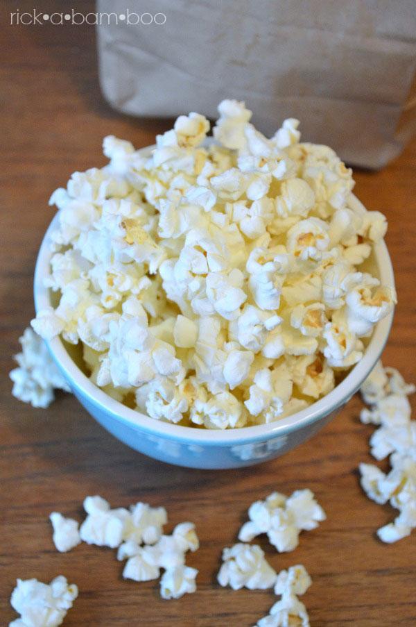 DIY Microwave Popcorn | rickabamboo.com | #homemade #brownbag