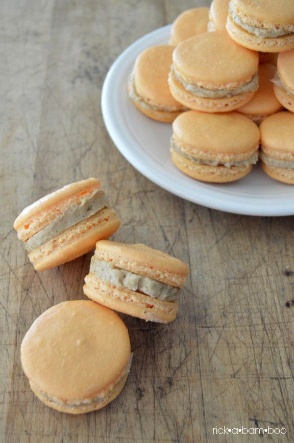 Pumpkin Spice Latte French Macarons | rickabamboo.com | #PSL #pumpkinspice #espresso