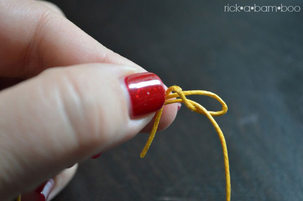 Noodle Bead Bracelet with Sliding Knot Tutorial | rickabamboo.com | #jewelry #diy #handmade