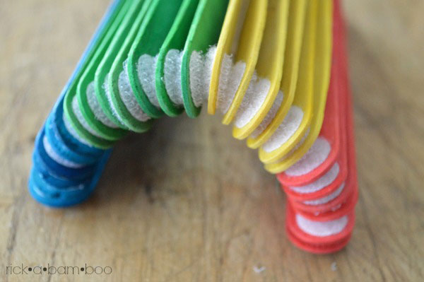Velcro Sticks | rickabamboo.com | #busybag #preschool #totschool