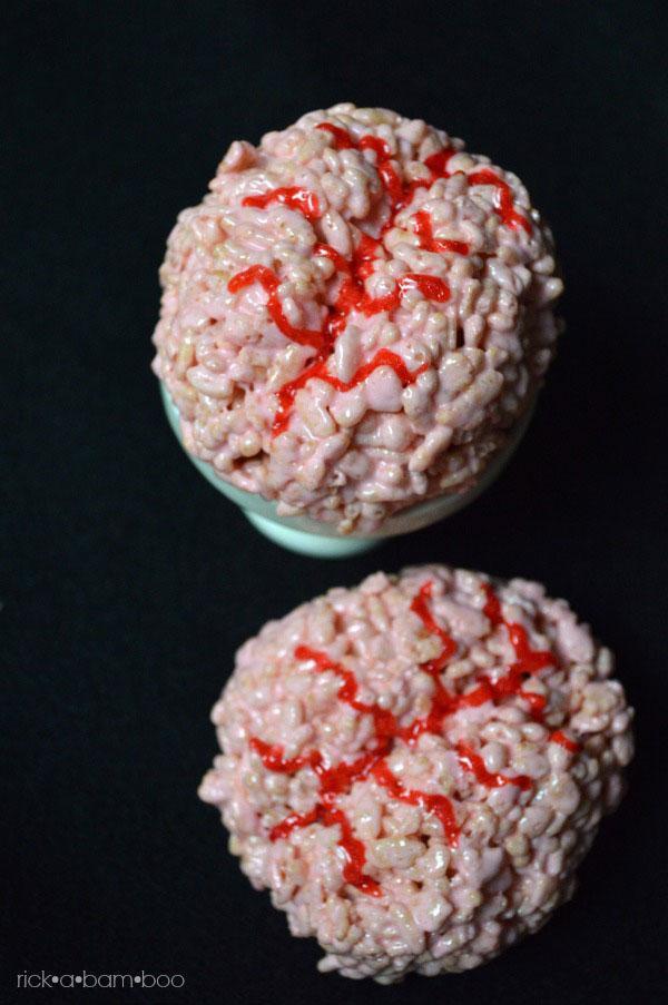 Zombie Brain Rice Crispy Treats   rickabamboo.com   #brains #zombies #halloween