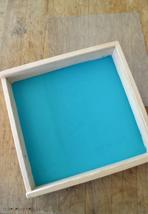 DIY Montessori Salt Tray | rickabamboo.com | #sand #totschool #preschool