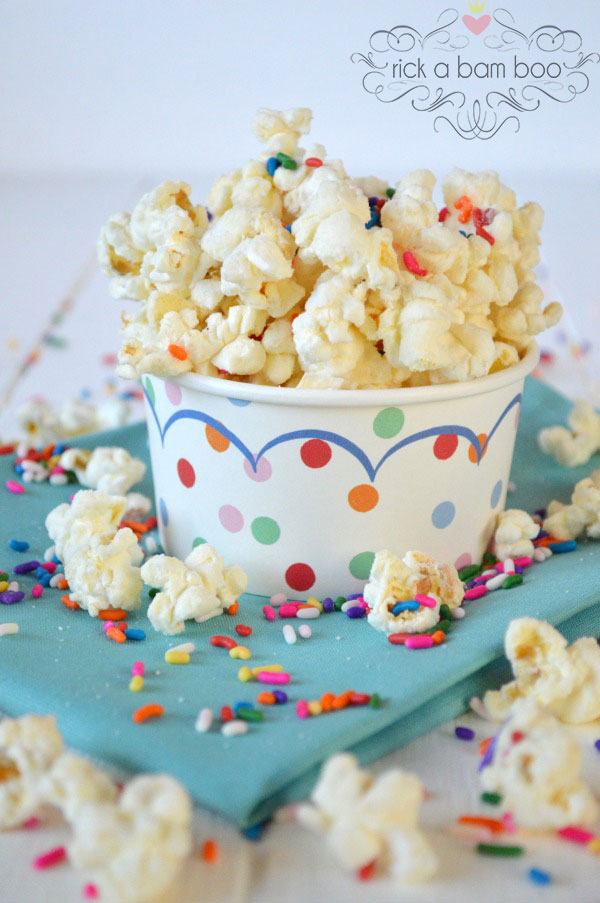 Especially for Your Sweet Tooth {12 Popcorn Recipes} eBook - Cake Batter | rickabamboo.com
