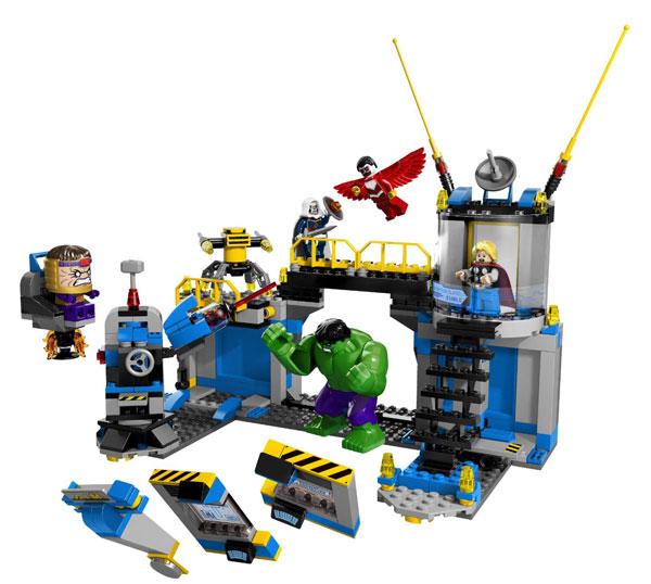Toddler Boy Holiday Gift Guide   rickabamboo.com   #hulk #lego #marvel