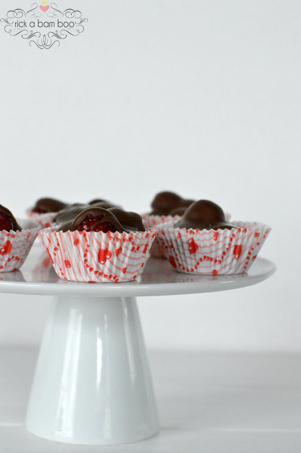 Chocolate Raspberry Cups | rickabamboo.com