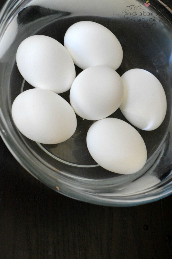 How To Hard Boil Eggs In A Pressure Cooker | rickabamboo.com