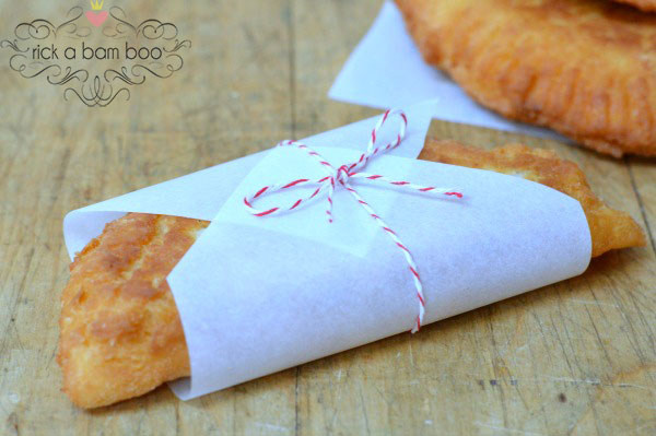 Apricot Hand Pies Recipe | rickabamboo.com | An easy hand pie for pi day