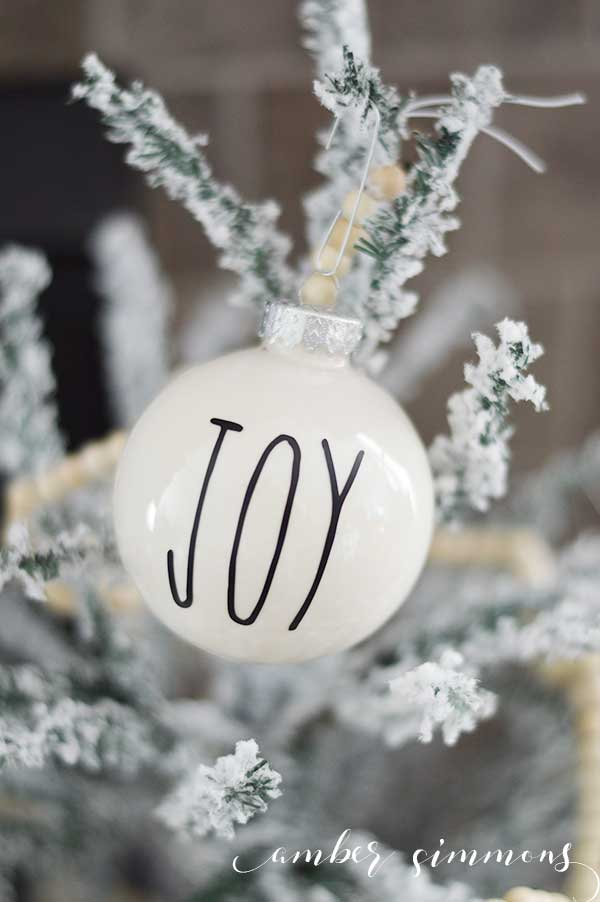 How To Paint Clear Christmas Ball Ornaments Amber Simmons