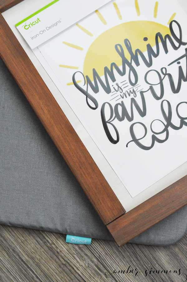 This Handmade Farmhouse Style Sign with Cricut's NEW Premium Iron-on Design couldn't be easier and will bring a little sunshine to any place in your home. #ad #CricutIronOnDesigns #CricutMade #Cricut