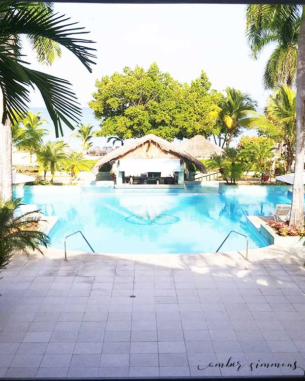 A Couples Negril Review and what to expect at the all inclusive resort. #allinclusive #jamacia #adultsonlyresort