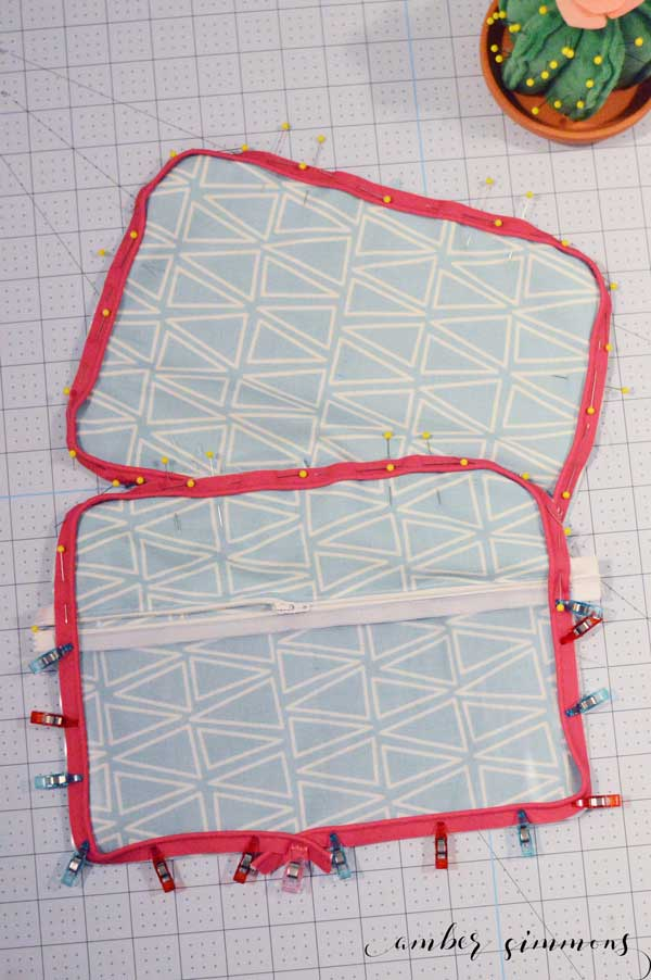 A step-by-step tutorial on how to make a DIY Simplicity Cosmetic Tote with the Cricut Maker.