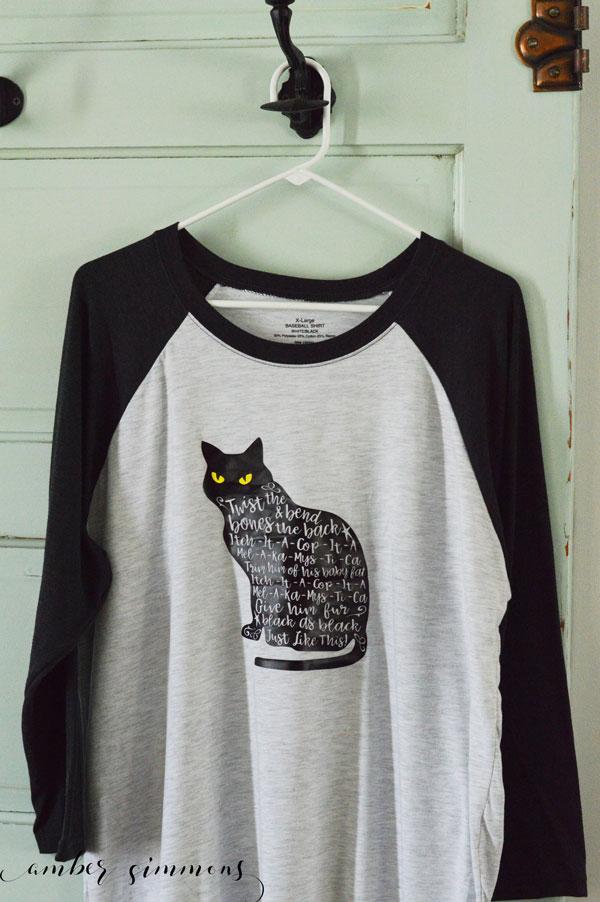 Hocus Pocus inspired Thackery Binx shirt tutorial #hocuspocus #spell #sandersonsister