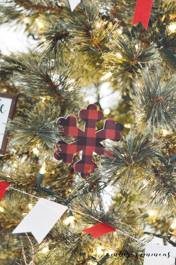 This DIY tutorial for how to make mini farmhouse sign Christmas ornaments with the Cricut Maker will add a rustic feel to your Christmas tree. #ad #cricutmade #cricutmaker