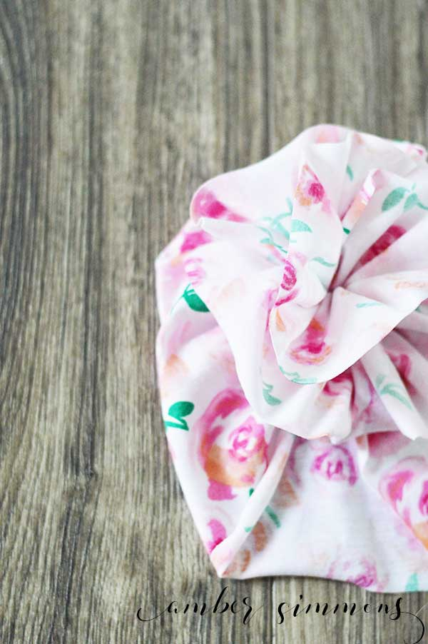 Simple ruffled flower baby turban tutorial to make your baby the cutest.
