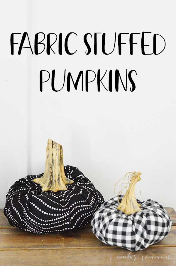 This simple stuffed fabric pumpkin can be made to go with any decor. It's so easy that even a beginner can finish a beautiful project. #falldecor