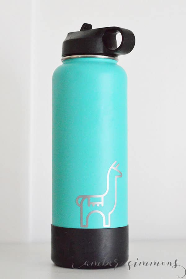 Water bottle stickers with the Cricut Joy #hydroflask #cricutcreated, #cricutjoy